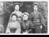 ミス・ウォースと3人の保母